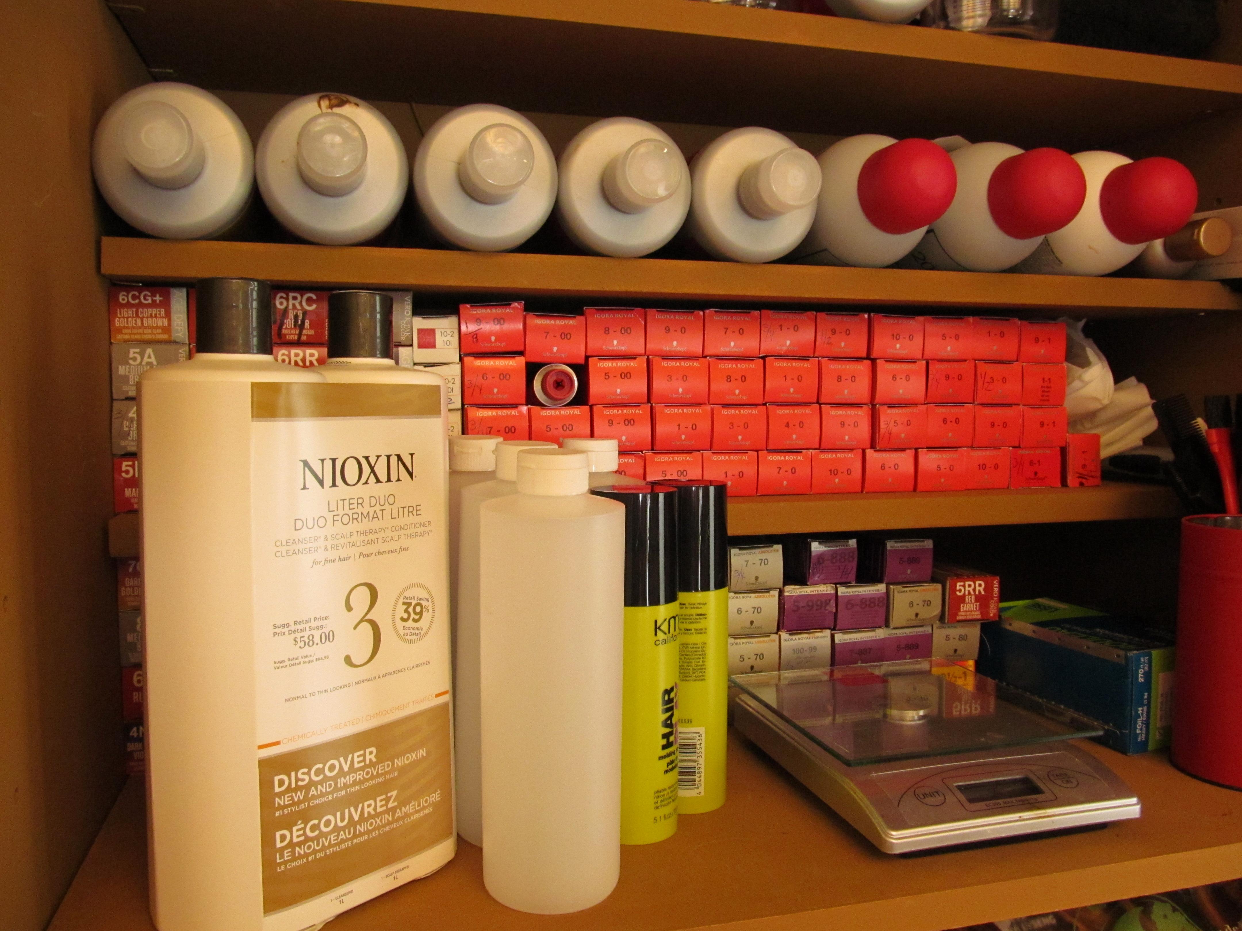 les produits de coiffure utiliss en salon - Coloration Pas Cher Coiffeur