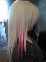coiffure blonde et rose