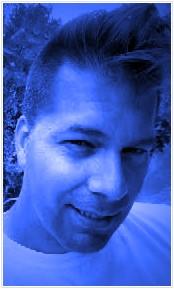 Robert Junior Ouimet en bleu