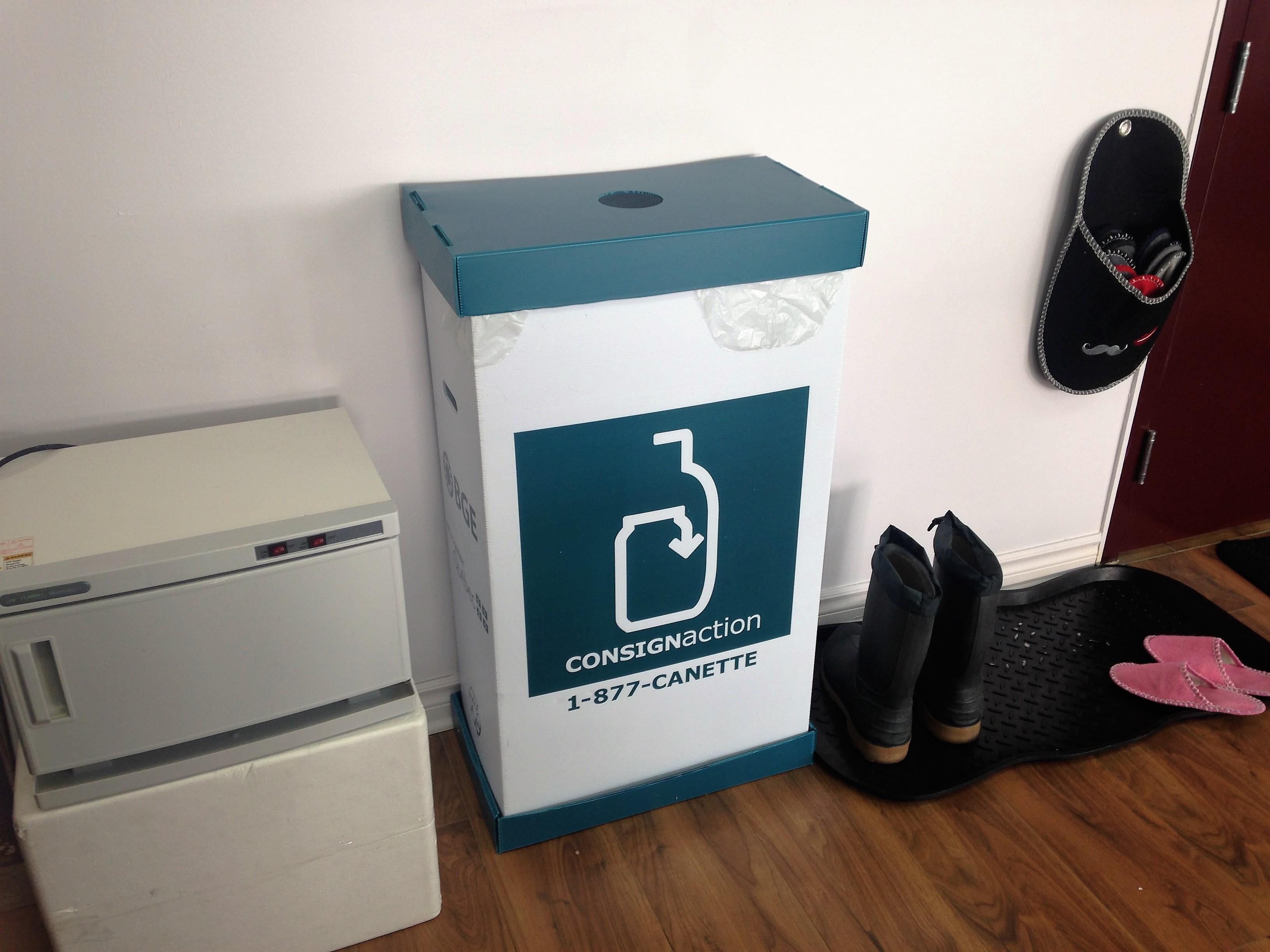 bac pour les matières recyclable-RJOCoiffure