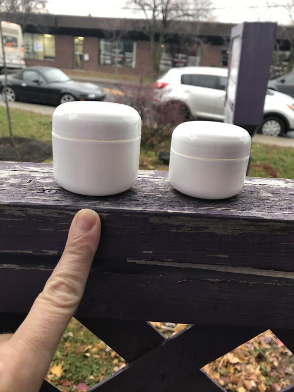 bocal plastique blanc avec couvercle 50 g. Longueuil Rive-Sud de Montréal